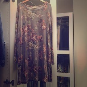 Flowy dress size small from altr'd state.